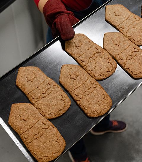 Saint Nicolas : dans les coulisses de la biscuiterie belge les Boudines