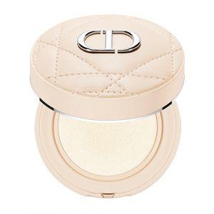 Tuto : comment réaliser un maquillage ultra canon pour les fêtes avec Dior ? - 3