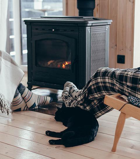 Les astuces infaillibles pour réussir son feu de cheminée