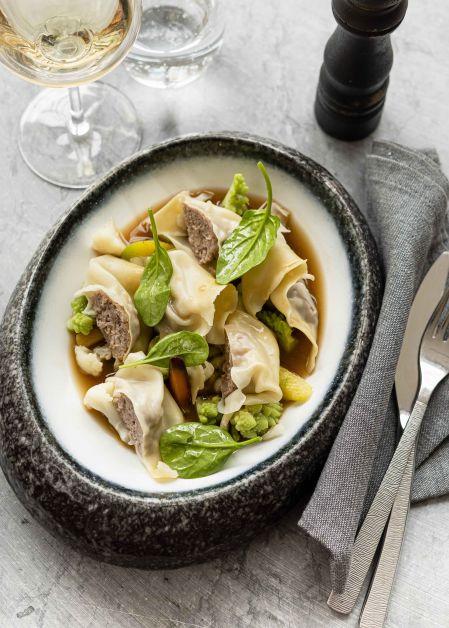Ravioles de bœuf au bouillon de légumes