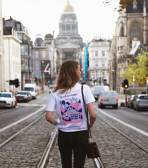 Des tee-shirts artistiques qui illustrent le paysage bruxellois