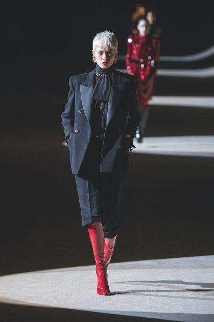 Saint-Laurent Winter 2020, look noir