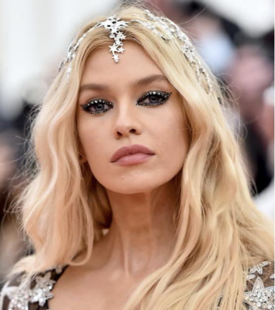 Maquillages festifs de la star Stella