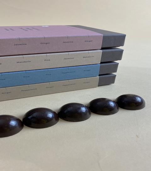 Une marque belge lance des chocolats thérapeutiques aux huiles essentielles