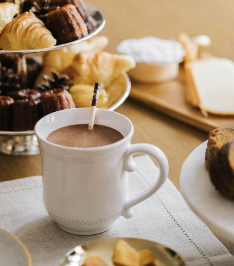 Un chocolat chaud gourmet avec Noir Pangaré