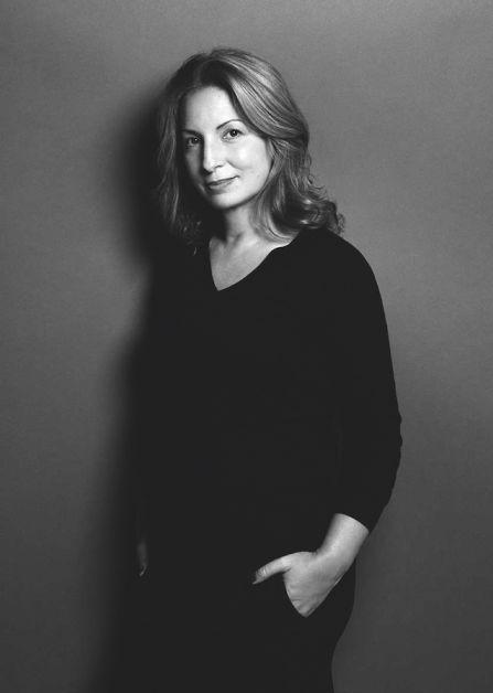 Anne-Valérie Hash surproduction