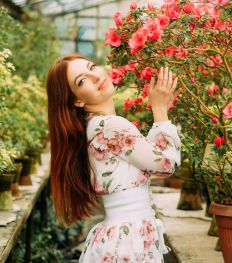 Comment porter une robe fleurie ?