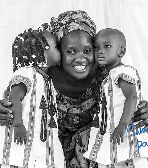 Memisa : des séances photos mère et fille pour la bonne cause