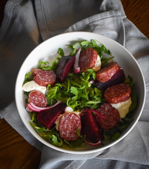 La salade italienne au Salamini AOP de Chez Mama