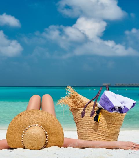 Les 10 indispensables à mettre dans son sac de plage