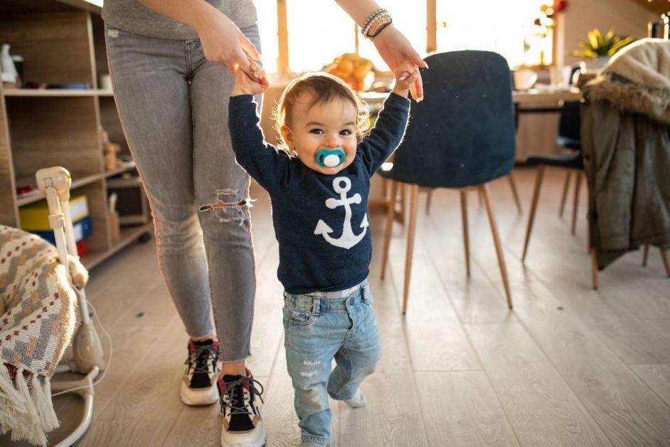 nounou à domicile garde d'enfants