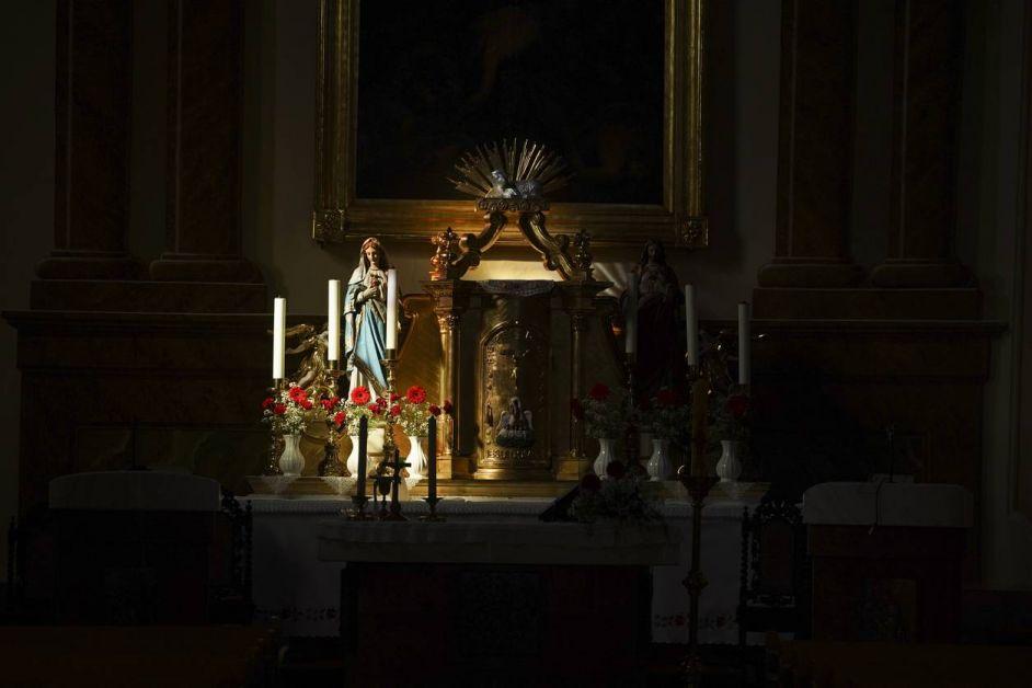 objet religieux statue de la Vierge Marie