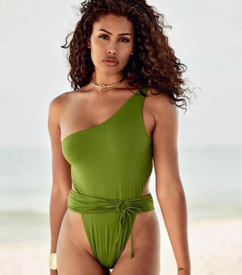 Qui est Leyna Bloom, première mannequin transgenre de couleur en couverture de Sports Illustrated ?