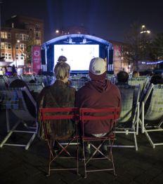 Un cinéma en plein air à Tour & Taxi cet été