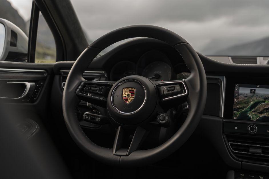 ELLE x Porsche
