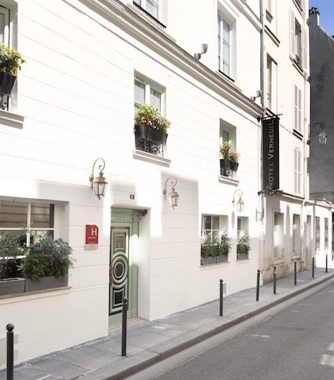 Hôtel Verneuil à Paris : in bed with Serge