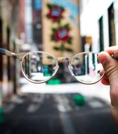 Quelles lunettes de vue à petit prix selon la forme de son visage ?