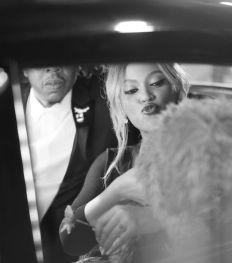 """Tiffany & Co. dévoile un nouvel épisode de la campagne """"About Love"""" avec Beyoncé et Jay-Z (VIDEO)"""