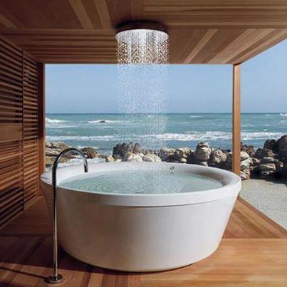 PINSPIRATION: Outdoor badkamers om bij weg te dromen