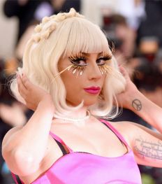 Alles over Lady Gaga's nieuwe beautymerk Haus Laboratories