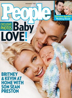 Britney Spears en Kevin Federline stellen zoon Sean Preston voor - 2006