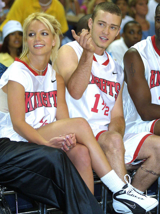 BRITNEY SPEARS PLAYS BASKETBALL