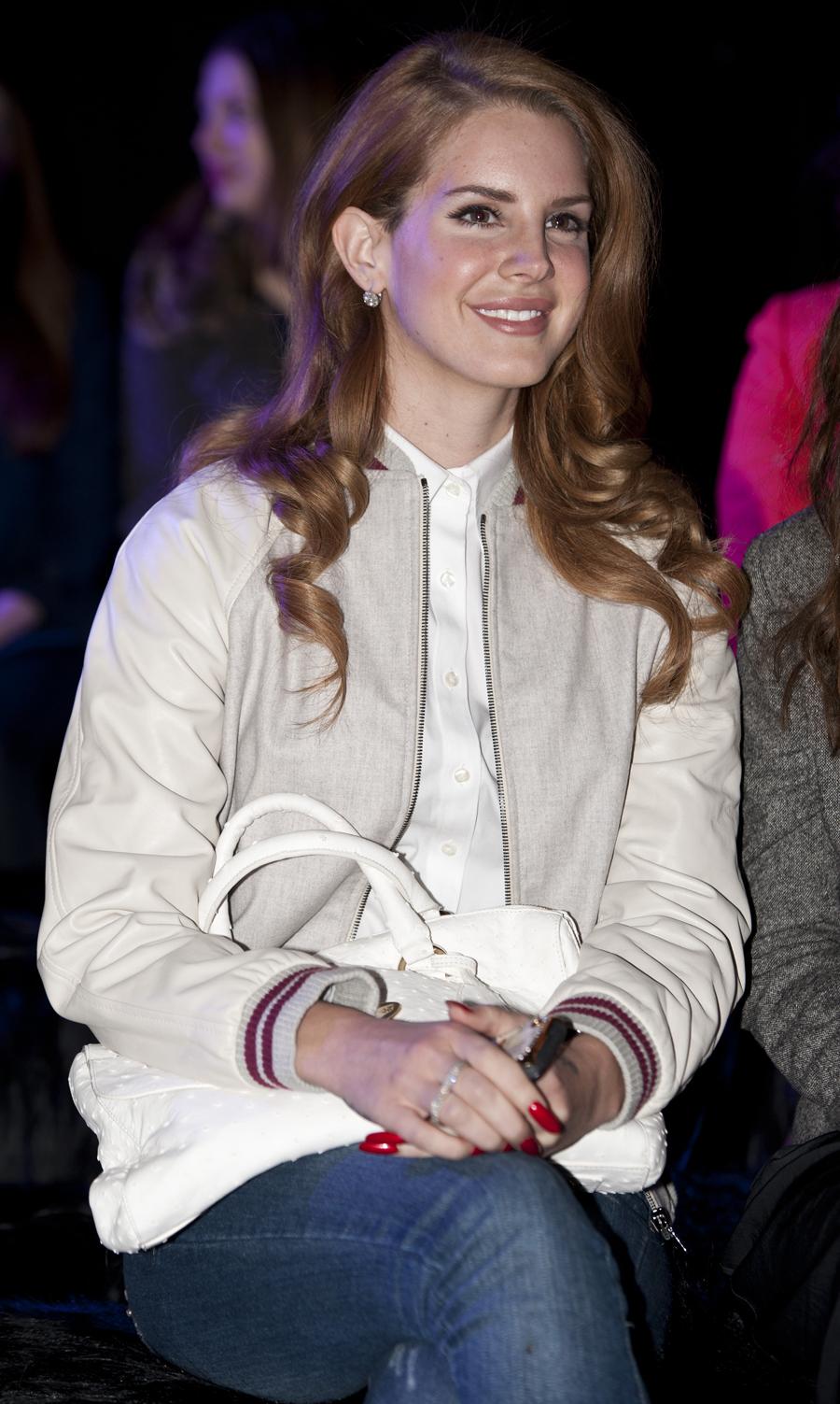 Lana Del Rey met haar 'Del Rey'.
