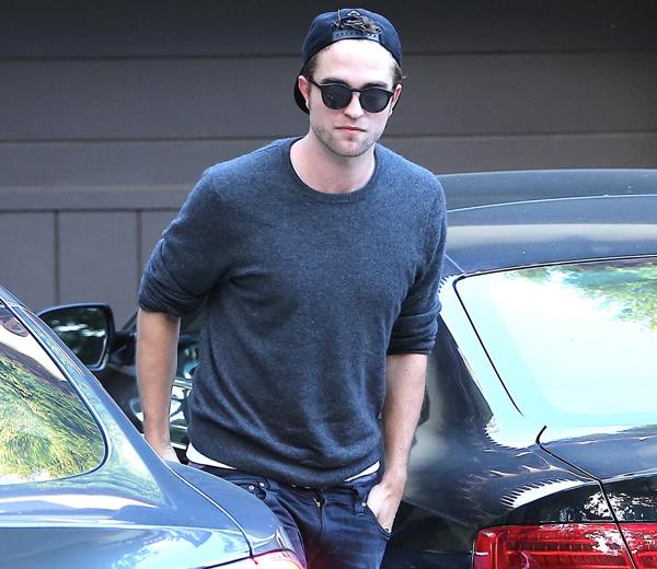 Dior lekt campagnefoto's met Robert Pattinson