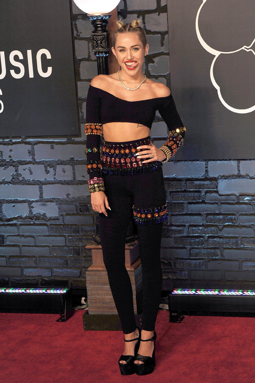 Miley Cyrus in vintage Dolce&Gabbana
