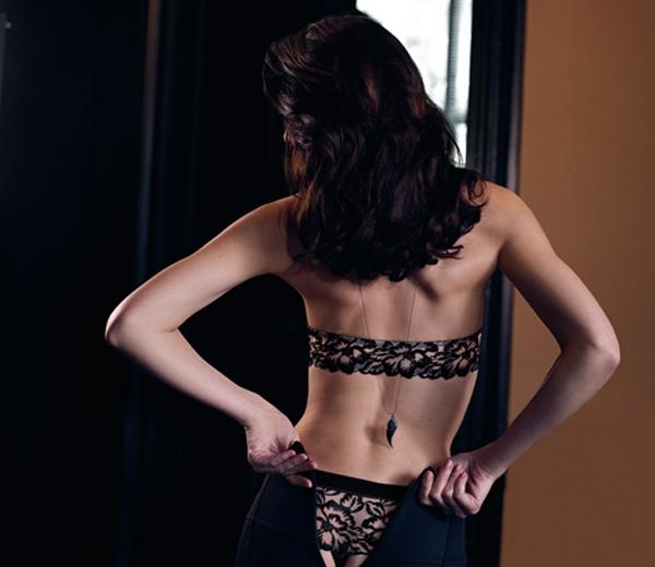 Getatoeëerde lingerie bij Simone Pérèle