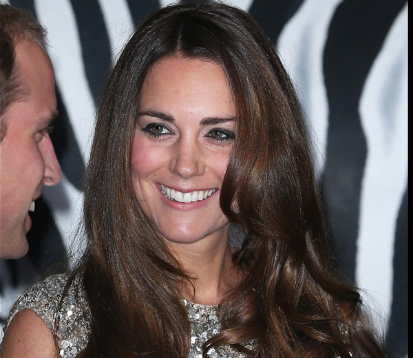 Kate Middleton maakt comeback in glitterjurk