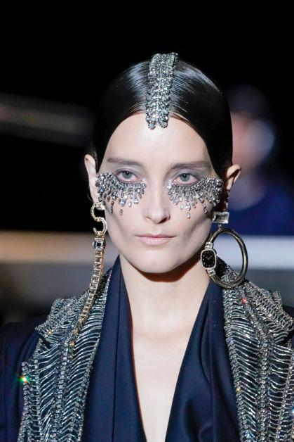 Schiaparelli haute couture beauty catwalk