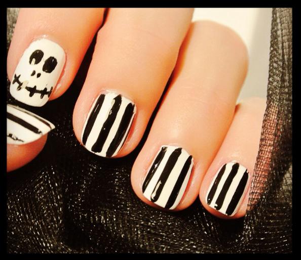 Halloween nail art: Beetlejuice tutorial