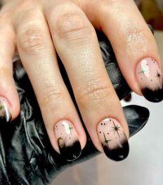 Alle inspiratie voor griezelig glamoureuze Halloween nagels