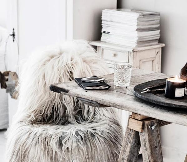 BINNENKIJKEN. Fluffy interieur, perfecte cocon