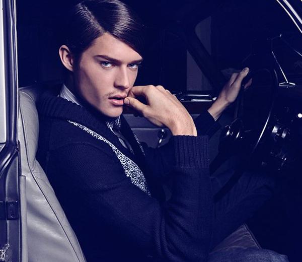 Topmodel Cesar Casier ontwerpt voor Essentiel