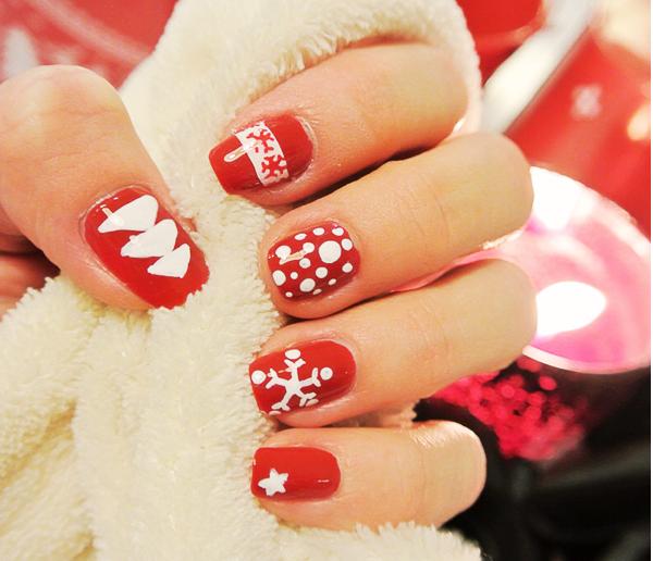 DIY: jingle bells nail art