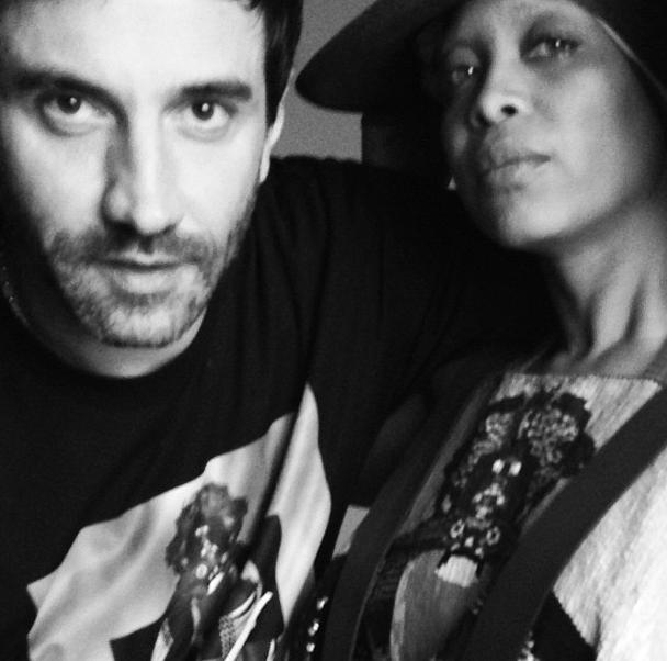 Instagram 'ussie' met Riccardo Tisci en Erykah Badu