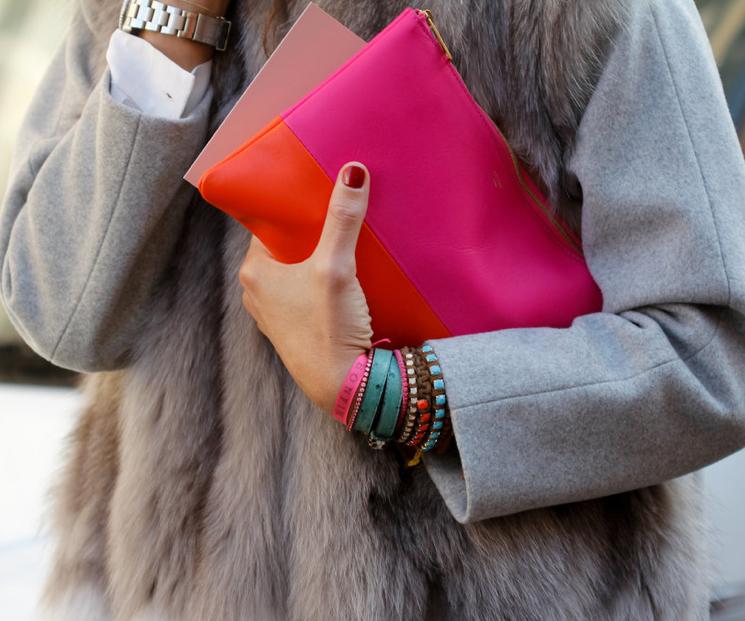 Wat zegt de draagwijze van je tas over jou?