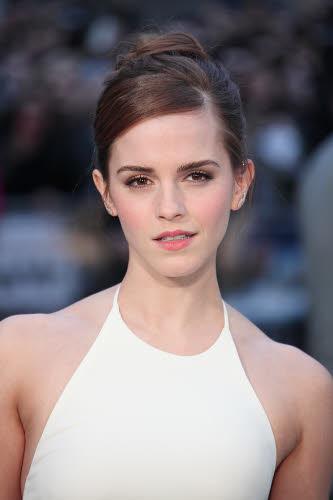 Emma Watson op de première van 'Noah' in Londen in Ralph Lauren Collection