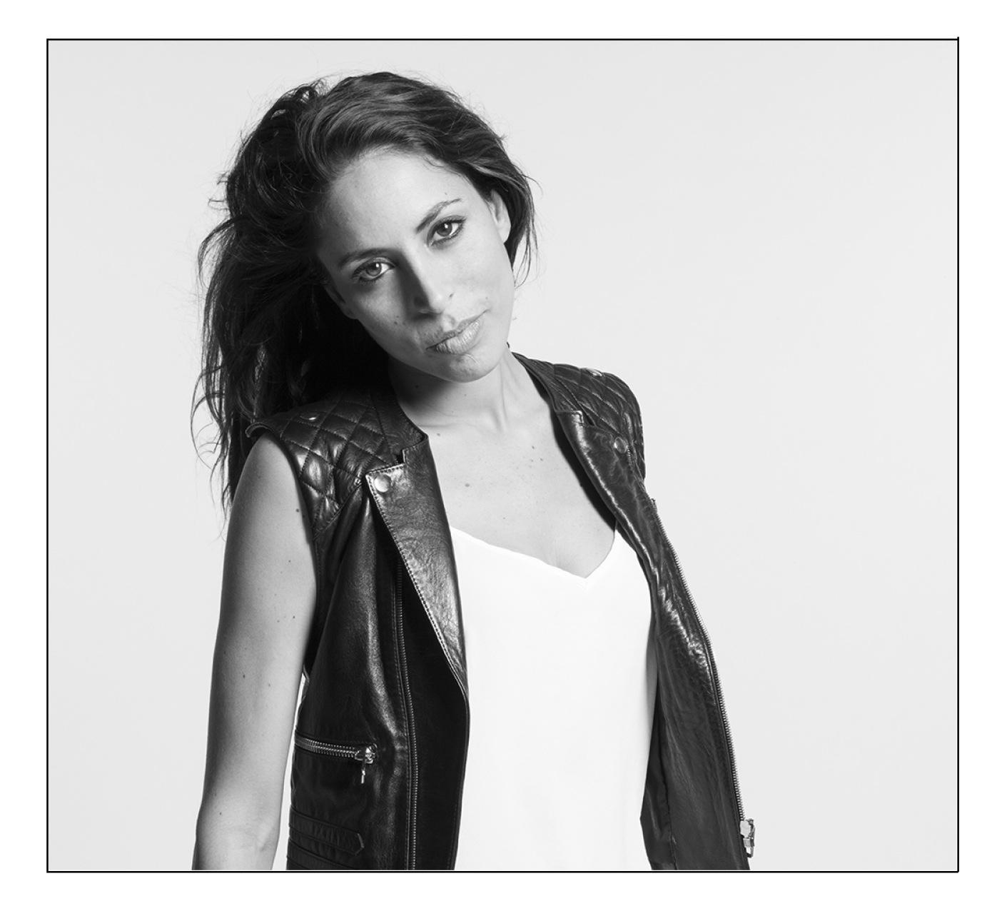 Portrait_Ornella_ELLALUNA