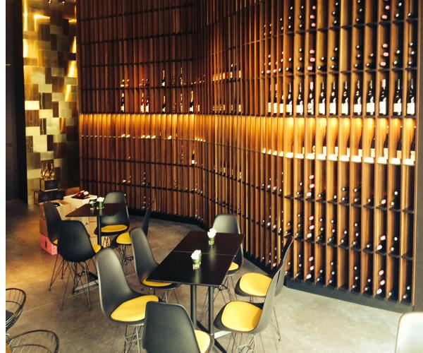 opening wijnbar etampé