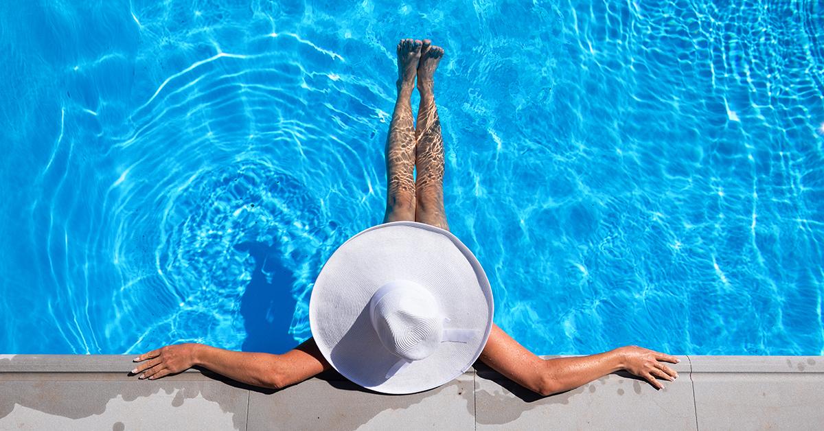 Betere Lazy Workout: zes eenvoudige oefeningen in het zwembad OU-24