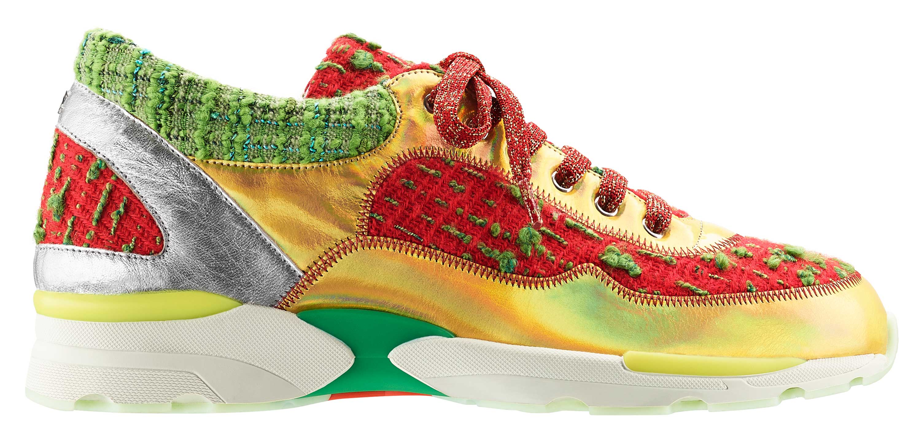 Red-and-green-tweed,-leather-and-rubber-sneaker_Basket-en-tweed-rouge-et-vert,-cuir-et-caoutchouc