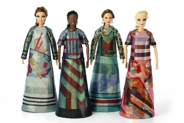 Barbie in ontwerpen van Sadie Williams