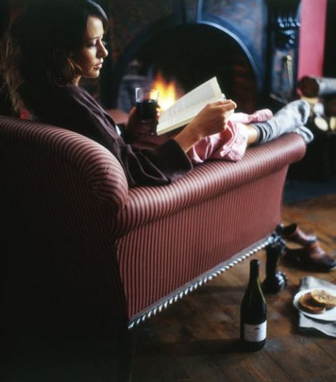 10 thrillers om voor de haard te lezen