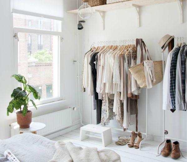 Idee slaapkamer ideeen barok : How to: 10 x je kleding opbergen zonder kast - ELLE.be