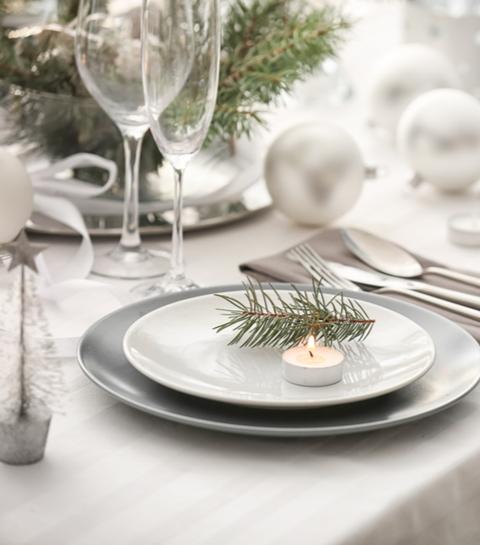10 deco-ideeën voor een sneeuwwitte feesttafel
