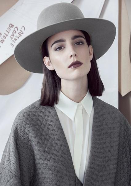 Amélie Lens voor & Other Stories - © Stories