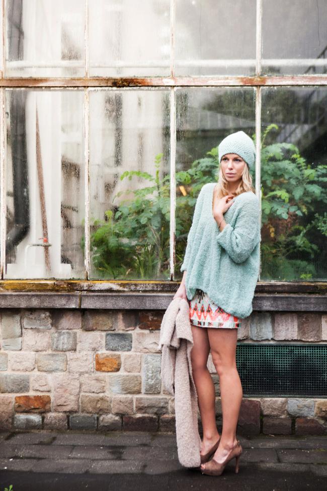 ln-andes-_ss14_shoot4-mint-green-edgy-ellen-280-euro-mint-green-baggy-beanie-50-eurojpg
